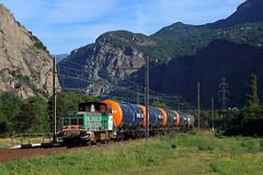 Des couleurs pour ce loco (Maxime Espinoza) Tags: train fret sncf maurienne st avre jean de desserte wagons wascosa y 8258 8000 locotracteur
