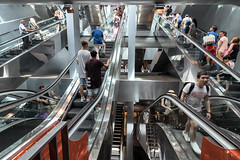 Garibaldi 9 (isnogud_CT) Tags: garibaldi statione bahnhof reisende menschen treppe rolltreppe ubahn linea1 underground neapel italien