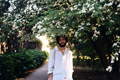 Diogo in white (velvet shell) Tags: 35mm film photography analogue canon t50 kodak flowers db boy portrait