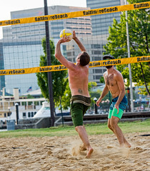 2017-07-17 BBV Men's Doubles (28) (cmfgu) Tags: craigfildespixelscom craigfildesfineartamericacom baltimore beach volleyball bbv md maryland innerharbor rashfield sand sports court net ball outdoor league athlete athletics sweat tan game match people play player doubles twos 2s men