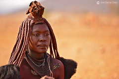 15-09-12 Ruta Okavango Namibia (426) R01 (Nikobo3) Tags: áfrica namibia kunene epupa okongwati etnias tribus color culturas folklore himbas rural travel viajes retratos portraits people gentes social nikon nikond800 d800 nikon7020028vrii nikobo joségarcíacobo flickrtravelaward ngc natgeofacesoftheworld wonderfulworld nikonflickraward