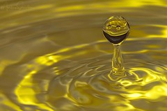 Smiley Drop (martinaschneider) Tags: water flash drops waterdroplets ripples splash yellow smile happy