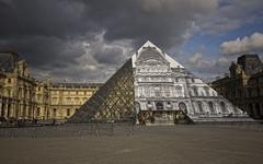 PARIGI. MUSEO DEL LOUVRE. (FRANCO600D) Tags: parigi paris francia france villelumiere museo capitale metropoli mingpei piramide capolavoro architettura turismo architetto canon eos600d sigma franco600d