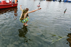 walking on the water (ignacy50.pl) Tags: young water lake river jump jumping holidays summer fun leisure sailing sailors reportage ignacy50 poland