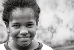 Foto- Arô Ribeiro -8674 (Arô Ribeiro) Tags: brasil pb blackwhitephotos photography laphotographie crianças arte arôribeiro direitoshumanos