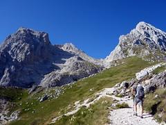The trail above La Madonnina, with Corno Grande and Corno Piccolo up ahead (markhorrell) Tags: cornopiccolo cornogrande gransasso apennines abruzzo italy hiking hillwalking scrambling