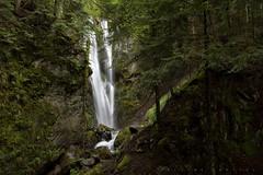 Cascade d'Arizes, vallée de Gripp. (G. Pottier) Tags: gripp la mongie lamongie cascadedarizes arizes vallondarizes picdumidi tourmalet adourdegripp hautadour bigorre hautespyrénées cascade waterfall montsaffreux artigues