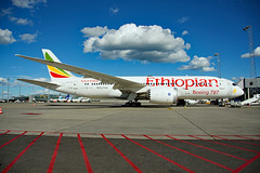 ET-AOQ (Skidmarks_1) Tags: etaoq ethiopian boeing787 engm norway osl oslogardermoenairport aviation aircraft airport airliners