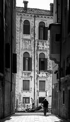 in passing 2 (ddaugenblick) Tags: venedig venezia venice wasser water kanal canale gondola gondel n sw bw