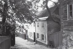 Skansen (kerstingrotelüschen) Tags: museum house skansen stockholm fim analogue 35mm hp5 ilford
