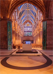 St Giles Cathedral Edinburgh (Phil Durkin) Tags: 2017 edinburgh scotland summer2017 catherderal church worship religion gothic arches font stainedglass old