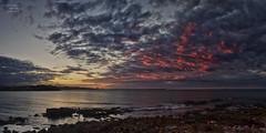 Anochece/ Dusk (Jose Antonio. 62) Tags: spain españa asturias gijón sea mar clouds nubes atardecer dusk