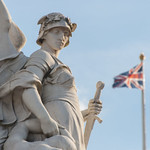 """Victoria Memorial, London • <a style=""""font-size:0.8em;"""" href=""""http://www.flickr.com/photos/28211982@N07/35276769233/"""" target=""""_blank"""">View on Flickr</a>"""