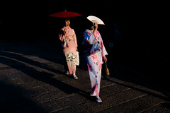 Kyoto (Scott F Thompson) Tags: kyoto girls kimono fan parasol umbrella shade goldenhour sunset culture streetphotography