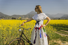 vintage girl (maina_e) Tags: vintage girl girls womens life style moda flowers color beautiful beauty sweet blondegirl blondehair bicyle paints photo photography sony shooting photoshooting nature wild