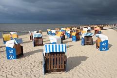Cuxhaven-Döse (Elbmaedchen) Tags: nordsee küste northsea cuxhaven cux strandkörbe unwetter döse beach chairs