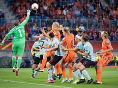 17240769 (roel.ubels) Tags: voetbal vrouwenvoetbal soccer europese kampioenschappen european championships sport topsport 2017 tilburg uefa nederland holland oranje belgië belgium