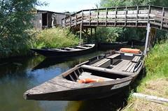 Barque, Clairmarais (RarOiseau) Tags: hautsdefrance saintomer clairmarais canal bateau barque pont passerelle pasdecalais eu saariysqualitypictures