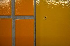 immer schön anziehen und ankreuzen (raumoberbayern) Tags: abstract minimal munich münchen robbbilder lines linien urbanfragments orange ubahn subway tiles kacheln wall wand