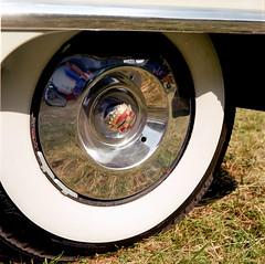 2017-97_carshow_minoltaautocord_fujins160_010-9 (Trill@P) Tags: minoltaautocord minolta analog film scan mf mediumformat 6x6 fuji fujins160 color carshow oldtimer cars
