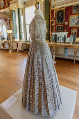 Side view of Post-Coronation Dress (Carol Spurway) Tags: 1830s albert firstmeeting hha harewood harewoodhouse harrogate historichousesassociation itv jennacoleman leeds postcoronationdress queenvictoria treasurehousesofengland victoria wetherby yorkshire costume cream drama dress film filmseries gown green interior khaki longgallery rooms series white