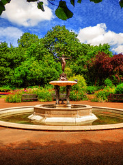 Hyde Park, Central London (photphobia) Tags: kensingtongardens london city uk oldwivestale park royalpark green royalparksoflondon tree trees river lake lakes hydepark