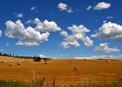 Toscana (Mauro e Irene) Tags: italy italia clouds nuvole toscana tuscany nikon d3100