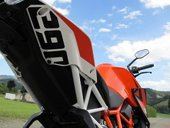 KTM Super Duke 1290 (4) (elgaspoo) Tags: ktm super duke 1290 hurric bike auspuff motorrad orange weiss