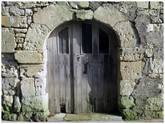 il était une fois...... (abac077) Tags: ruines pierres passé mirebeau poitou abandon maison histoire porte door