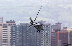 Helicoptero de camino a Gijon (Dawlad Ast) Tags: asturias gijon air show festival aereo 2017 san lorenzo bahia aviones planes airplanes españa spain julio july eurocopter as 332 m1 super puma t313 swiss force sn 2226 helicoptero copter