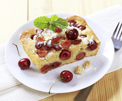 Cherry sponge cake (Tesco ČR) Tags: spongecake cake sponge pastry crumble slice piece crosssection fruit fresh red cherry cherries sweet dessert snack lunch baked homemade food tasty closeup detail