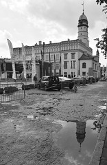 Kraków 8 July 2017 034 (paul_appleyard) Tags: kraków poland july 2017 black white puddle refelction