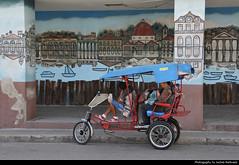 Bicitaxi & Mural, Cienfuegos, Cuba (JH_1982) Tags: bicitaxi bicycle taxi fahrradtaxi fahrrad velotaxi rickshaw pedicab 自転車タクシー 자전거 택시 велорикша mural painting grafitti wandmalerei malerei peinture murale muralismo 壁畫 壁画 монументальная живопись art kunst cienfuegos 西恩富戈斯 シエンフエーゴス 시엔푸에고스 сьенфуэгос سينفويغوس סיינפואגוס cuba kuba 古巴キューバ 쿠바 куба क्यूबा كوبا
