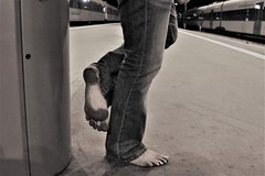 dirty feet in black and white 058 (dirtyfeet6811) Tags: feet sole barefoot dirtyfeet dirtysole blacksole cityfeet