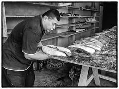 Fugatoga, Futuna, 2017 (Christian Neumüller) Tags: océanpacifique pacificocean boulangerie travailcollectif backery pain bread coconut banana noiretblanc blackandwhite nb bw olympus em1