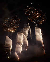 Fireworks (hbothmann) Tags: fireworks feuerwerk fogosdeartifício fuegosartificiales fuochidartificio monteriggioni monteriggioniditorrisicorona mittelalterfestival monteriggioniditorrisicorona2017
