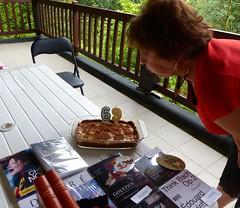 Cagnotte, Landes: je souffle mes bougies sur la terrasse couverte (il pleut). (Marie-Hélène Cingal) Tags: aquitaine nouvelleaquitaine landes 40 paysdorthe cagnotte france sudouest
