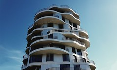 Folie divines (srouve78) Tags: architecture montpellier