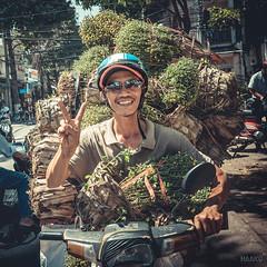 (HAaKU Photographie) Tags: haakuphotographie haaku photographie ericrodriguez rodriguez eric asie asia vietnam motobike scooter man homme portrait