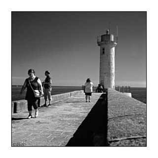 Sur la jetée du phare du Raoulic (Audierne, Finistère)