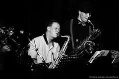 Paul Widauer: sax / Markus Gruber: sax (jazzfoto.at) Tags: wwwjazzfotoat wwwjazzitat jazzitsalzburg jazzitmusikclubsalzburg jazzitmusikclub jazzfoto jazzfotos jazzphoto jazzphotos markuslackinger jazzinsalzburg jazzclubsalzburg jazzkellersalzburg jazzclub jazzkeller jazzit2017 jazz jazzsalzburg jazzlive livejazz konzertfoto konzertfotos concertphoto concertphotos liveinconcert stagephoto greatjazzvenue greatjazzvenue2017 downbeatgreatjazzvenue salzburg salisburgo salzbourg salzburgo austria autriche blitzlos ohneblitz noflash withoutflash sony sw schwarzweiss blackandwhite blackwhite noirblanc bianconero biancoenero blancoynegro