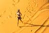 Running on dunes (tesKing (Italy)) Tags: dubai emiratiarabi sandra desert sharjah emiratiarabiuniti