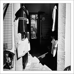 Images Singulières du Portugal #32 (Napafloma-Photographe) Tags: 2017 algarve architecturebatimentsmonuments artetculture bandw bw bâtiments catégorieprojet géographie kodak kodak400tmax métiersetpersonnages personnes portugal techniquephoto vacances blackandwhite magasin monochrome napaflomaphotographe noiretblanc noiretblancfrance pellicules photoderue photographe photographie province streetphoto streetphotography loulé pt