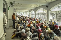 Comedores Comunitarios (Andrés F. Castiblanco) Tags: sikh temple gurudwara religion community dinning rooms india new delhi photography canon people