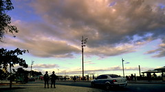 Silhuetas (o.dirce) Tags: nuvens rua avenida cidade inverno orla odirce