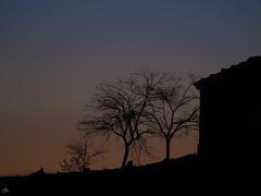 Ermita de Pradas, Teruel. (:) vicky) Tags: atardecer sunset spain teruel azul pradas ermita vickyepla visionario olympusdigitalcamera