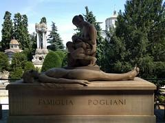 They care (ashabot) Tags: milan milano cimiteromonumentale monumentcemetery statues cemetery cemeteries mementomori art
