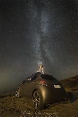 Vía Lactea - Milky Way (Rubén Santamaría Fotografía) Tags: vialactea milkyway nocturna night photography fotografia largaexposicion longexposure costadamorte galicia nikon d600 peugeot