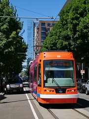 Portland Streetcar 025 NW 11th Ave at Irving (Ian YVR) Tags: tram streetcar