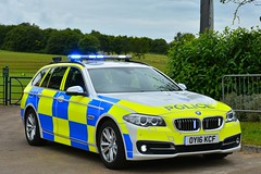OY16 KCF (S11 AUN) Tags: thames valley police tvp bmw 530d estate touring anpr traffic car roads policing unit rpu 999 emergency vehicle oy16kcf